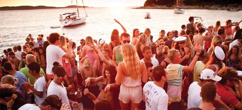 puno-jedro-sailing-croatia-beach-party