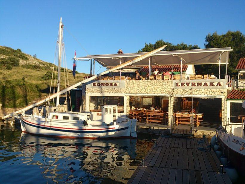 Puno jedro Hrvatska-Kornati – konoba-levrnaka