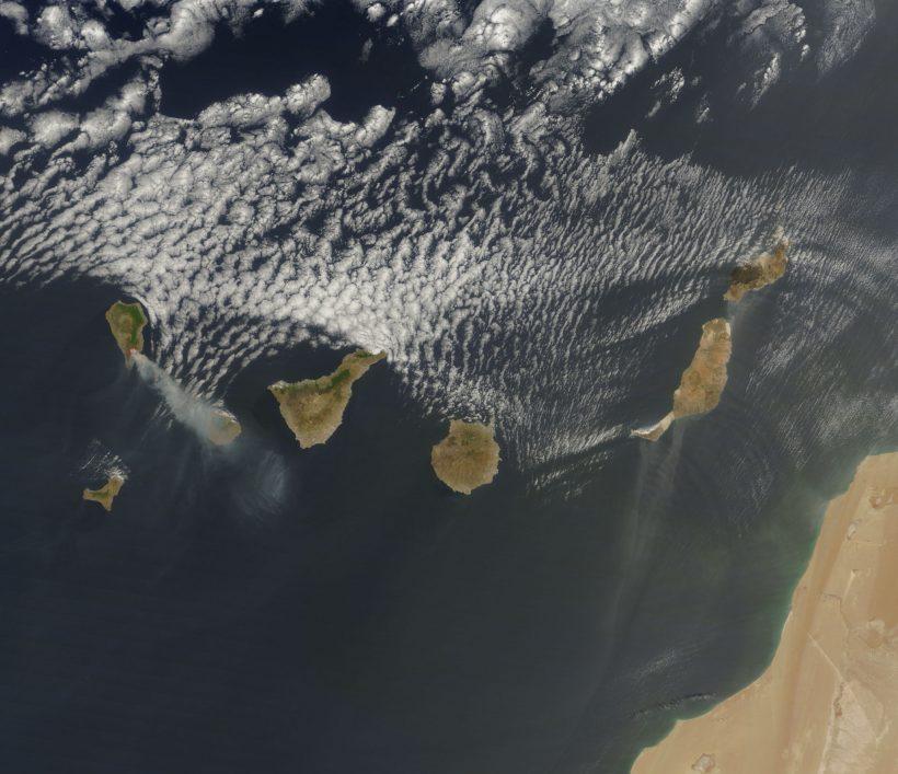 Canary_Islands_TMO_2009214_lrg